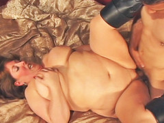 Mindie Mounds is unstoppable one time her rolls are set in motion! Using every inch of her body to her advantage, Mindee is fucked unfathomable and lengthy previous to this babe is showered wth cum!